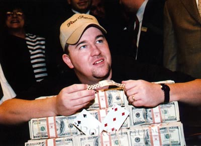 Chris Moneymaker wins the WSOP Main EVent
