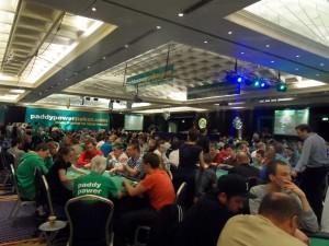 Acción en la sala de poker