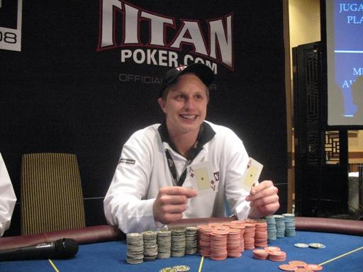 Titan poker canada