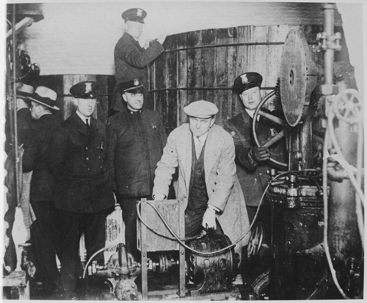 Einige Mächtige der Industrie haben die strengen Bedingungen von Online Poker mit der Ära der Prohibition verglichen.