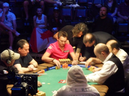 Final Table in Side Event